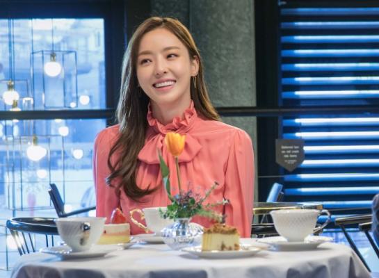 Queen of Mystery Lee Da Hee