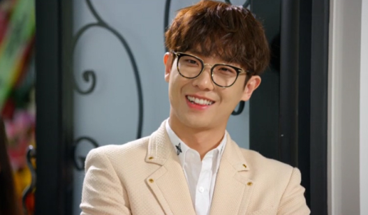 Father is Strange Lee Joon Smile KBS World