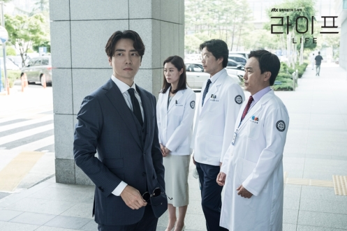 Surprise cameo lee joon hyuk